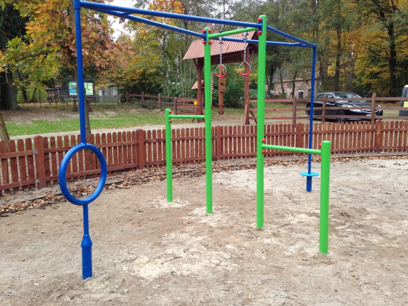 Playground Cetus device - climbing frame with rotating elements