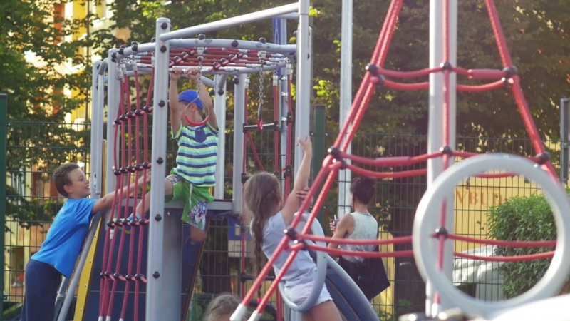 Playground Gemini - galvanized steel device